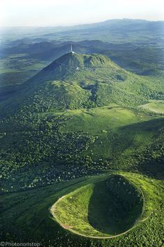The Auvergne, between volcanoes and mountains - Le Puy de Dome, the highest reach (Chain of Puys, Massif Central, . Rafting, Bergen, Places To Travel, Places To See, Places Around The World, Around The Worlds, Clermont Ferrand, Ville France, Exotic Places