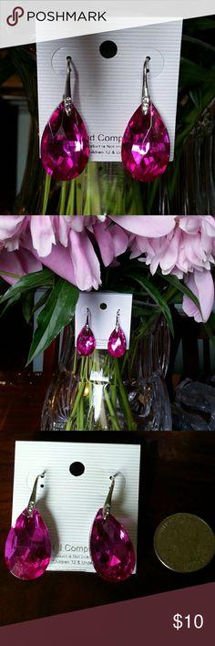 NWT magenta earrings Teardrop shape stunning earrings Jewelry Earrings