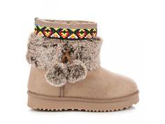 Hnedé snehule s bambulkami Boots, Winter, Fashion, Crotch Boots, Winter Time, Moda, Fashion Styles, Shoe Boot, Fashion Illustrations