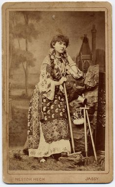 Woman in folk costume from Iasi, in the Romanian region of Moldavia… Vintage Photographs, Vintage Photos, Popular Costumes, Old Folks, World Photography, Folk Costume, Eastern Europe, Historical Clothing, Native American Indians
