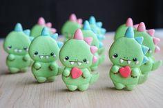 Baby dinosaur macarons by Melly Eats World (M.E.W.) (@mellyeatsworld)