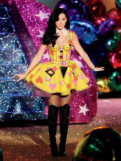 Katy at the 2010 Victoria's Secret Fashion Show