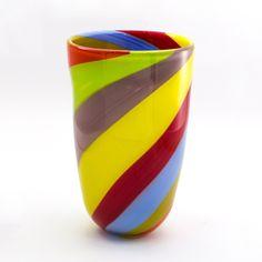 vaso multicolor, questo prodotto interamente artigianale è realizzato con la tecnica della soffiatura. Murano glass vase, handmade and beautiful interior design.