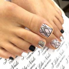 Zehennageldesign Sparkly Silver Glitter Pedicure Designs ❤ 45 Nail Designs For Toes That Will Pretty Toe Nails, Cute Toe Nails, My Nails, Hair And Nails, Toe Nail Color, Toe Nail Art, Nail Colors, Glitter Pedicure Designs, Pedicure Nail Art