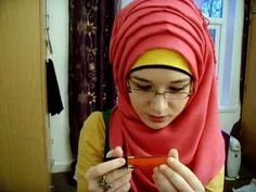 Hijab Tutorial: Pink volume+layers  WHY I'm just finding this! *slaps her self* I never thought about searching for tutorials -.-