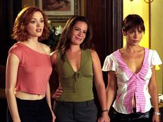 Alyssa Milano, Rose McGowan, and Holly Marie Combs in Charmed Serie Charmed, Charmed Tv Show, New Charmed, Holly Marie Combs, Netflix, Alyssa Milano, Grey's Anatomy, Charmed Book Of Shadows, 90s Tv Shows