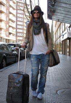 Jeans, white tee, white sneakers, printed bag, grey scarf, beige blazer ☑️
