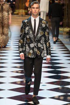 Dolce & Gabbana Spring 2017 Menswear Collection Photos - Vogue