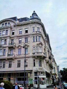 wien / austria - photo by koto serdar bulgu Neoclassical Architecture, Vienna, Baroque, Austria, Louvre, Building, Photos, Travel, Pictures