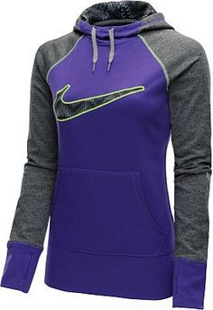 When you're headed outdoors on chilly days, the @nikewomen Swoosh Out All Time printed hoodie keeps you covered. #GiftOfSport