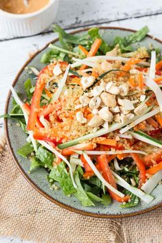 This Pad Thai Quinoa Salad is perfect for the Spring! Click through for 20 other quinoa salad recipes that you must make this season!