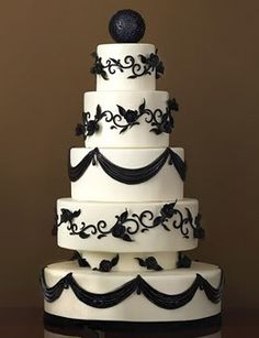vintage black and white wedding cake