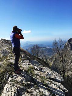 Sul #Faito , una delle #vette più aspre e alte della #Costiera #Amalfitana , dopo un' #escursione si ci ferma per immortalare il momento