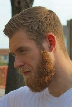 Ginger Man for a relaxing encounter of the s*x kind Hot Ginger Men, Ginger Beard, Ginger Hair, Beard Styles For Men, Hair And Beard Styles, Hair Styles, Short Hair And Beard, Great Beards, Awesome Beards