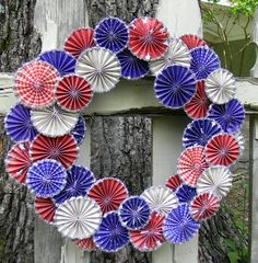 kids crafts for 4th of July: parasol wreath