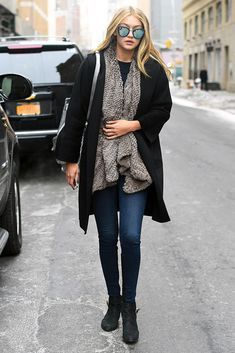 34 Times Gigi Hadid Was Our Street Style Muse Style Gigi Hadid, Gigi Hadid Outfits, Laura Love, Sara Foster, Streetwear, Winter Outfits, Casual Outfits, Fashion Outfits, Style Fashion