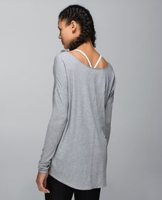 We like having options, whether we're modifying a pose on our mat or getting dressed to go to class. We designed this oversized, reversible top with a shaped hem and an open neckline so we can pick the perfect amount of coverage. Decisions, decisions.) #halloween how to lose weight #weightloss