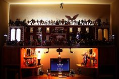 MarvelLegends.Net Desk at Night (MarvelLegends.net)  // Pinned by: Marvelicious Toys - The Marvel Universe Toy & Collectibles Podcast [ m a r v e l i c i o u s t o y s . c o m ] marvelici toy, desk, univers toy
