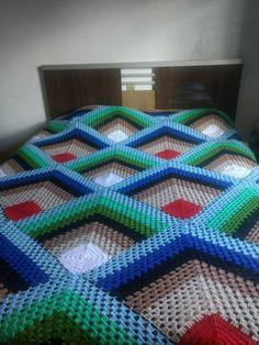 Granny Square Blanket, Granny Square Crochet Pattern, Crochet Blanket Patterns, Crochet Bedspread, Crochet Pillow, Baby Blanket Crochet, Crochet Carpet, Crochet Home, Knit Crochet
