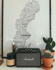 Marshall Stockwell Speaker and Flip Cover   Home & Gifts   Music & Tech #uoeurope #urbanoutfitterseu #UOhome via @dominikapodbilska