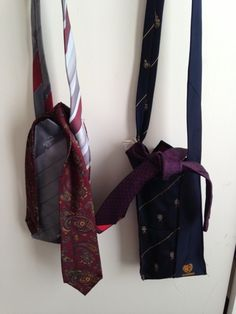 Mria Williams: Adjustable shoulderbags made from ties