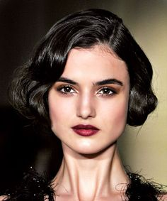 Hairstyle and makeup look from NYFW 2015, 1920s inspired faux-bob hair