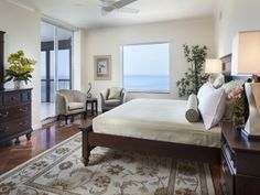 Biltmore at Bay Colony - bedroom with an ocean view in Naples, Florida