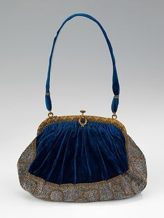 Evening purse, blue silk velvet, beaded, 1910-1920