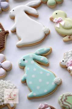 Hosting a Cookie Decorating Party Hi there! Today I'm sharing how to host a cookie decorating party for about adults, including recipes, a time line of Owl Cookies, Fondant Cookies, Fancy Cookies, Iced Cookies, Cute Cookies, Easter Cookies, Yummy Cookies, Cupcake Cookies, Sugar Cookies