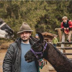 Cowboy Hats, Horses, Animals, Summer Recipes, Animales, Animaux, Western Hats, Animais, Horse