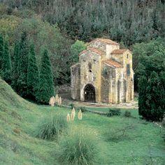 Prerrománico Asturiano, San Miguel de Lillo church, Oviedo. ©  Infoasturias José Suárez
