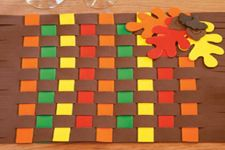 Thanksgiving Crafts Round Up!  Get your little ones ready for Thanksgiving with some of these decorative crafts from around the web.