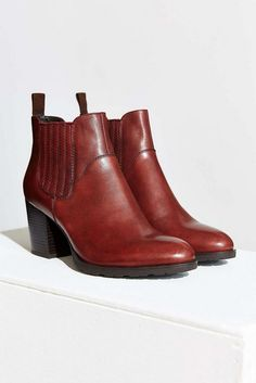 20 Looks with Fashion Chelsea Boots Glamsugar.com Chelsea Boot