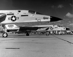 Reconnaissance attack squadron the last squadron to operated the RA Vigilante, disestablished in 1979 Us Navy Aircraft, Us Military Aircraft, Fighter Aircraft, Fighter Jets, Naval Aviator, Military Pictures, United States Navy, Coast Guard, War Machine