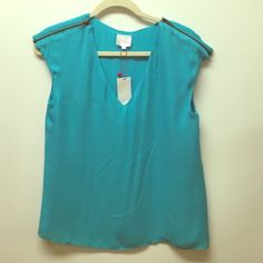 Parker Cyan Blue Silk Shirt with Zipper Detail Size Small. BDoes not have Nordstrom tag, but does have original Parker tag.  Never worn.  100% silk - 2 layers.  Loose fit.  Zipper detail on shoulders. Parker Tops Blouses