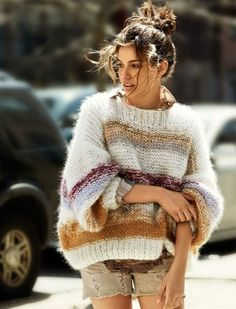 sweater story hilary Shiloh Malka Sports Sweaters for Glamour France by Hilary Walsh Poncho Pullover, Glamour France, Moda Crochet, Look Boho, Mohair Sweater, Big Sweater, Fluffy Sweater, Knit Fashion, Looks Style