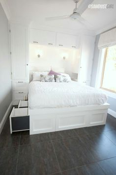 Beautifully maximizing space in a tiny bedroom with built in wardrobes and a platform storage bed - step by step directions - Bedroom Design Ideas Bedroom Built Ins, Closet Built Ins, Small Master Bedroom, Home Bedroom, Bedroom Furniture, Tiny Closet, Bedroom Ideas, Bedroom Apartment, Bed In Closet
