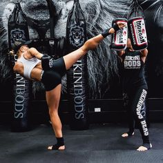 #fitness #strong #girls #abs #martial arts #kickboxing #abs #gym #training