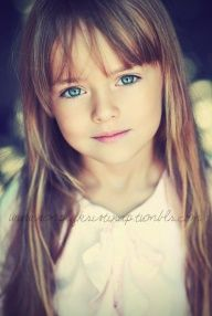Kind of obsessed with this little girls hair!