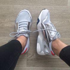 8a530f673f7d96 PUMA + ALEXANDER MCQUEEN LACE DISC GREY instagram  lecoindelodie Mcqueen  Sneakers