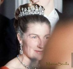 Princesa Theresa de Orléans e Bragança Atenas Mayo 1962 dizem q a tiara foi de dona carlota joaquina, princesa de portugal e do brasil, rainha de portugal e imperatriz honorária consorte do brasil.
