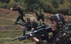 Brilliant article on the ACF and its benefit on young people British Armed Forces, Young Guns, Special Forces, Young People, Teamwork, Ranger, Have Fun, Novels, Army