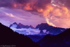 """Picture of a mountain called """"Dachstein"""" during sunset. It's a pretty pupular mountain in Austria. Central Europe, Homeland, Bad, Austria, Mount Everest, Mountains, Sunset, Country, Pictures"""