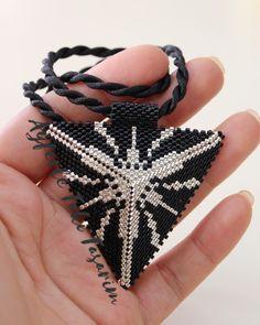 @drkhlme #ayferletakitasarim @ayferletaki #miyuki #miyukiboncuk #miyukikolye #muska #kolyeçeşitleri #black #jewellery #show #desinger #stone #beads #lüleburgaz #peyote #