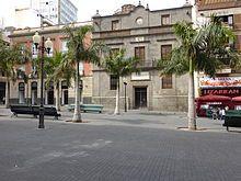Santa Cruz de Tenerife -Palacio de Carta, del año 1752 (siglo XVIII), en la Plaza de la Candelaria.