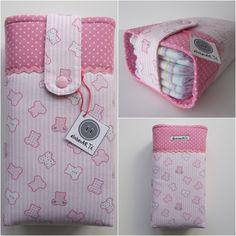 Obrigada Anabela! Sewing Patterns For Kids, Sewing For Kids, Baby Sewing, Baby Bedding Sets, Baby Comforter, Diaper Bag Organization, Kit Bebe, Diy Wallet, Craft Bags