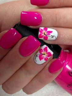 Cool Tropical Nails Designs for Summer - Nails - Nageldesign Tropical Nail Designs, Floral Designs, Tropical Nail Art, Nail Designs For Summer, Hawaiian Nail Art, Hawaiian Flower Nails, Tropical Flower Nails, Nail Art Ideas For Summer Beach, Pedicure Ideas Summer