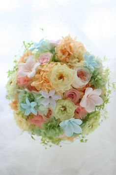 ラウンドブーケとリストレット プリザーブドフラワーで : 一会 ウエディングの花