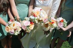 Bride & Bridesmaid flower bouquets for an August wedding by Milton Keynes florist and grower of British flowers www.fieldgateflowers.co.uk