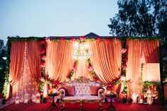 Top 51 Wedding Stage Decoration Ideas (Grand & Simple) ShaadiSaga - Home decor Reception Stage Decor, Wedding Reception Backdrop, Indian Wedding Ceremony, Wedding Mandap, Christmas Wedding Decorations, Wedding Venue Decorations, Flower Decorations, Marriage Hall Decoration, Simple